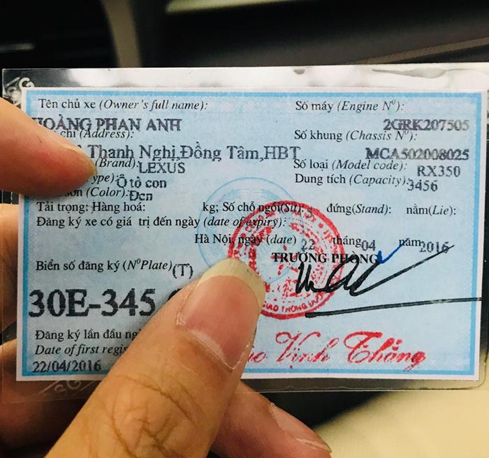 MC Phan Anh bán ô tô 3,3 tỷ, khẳng định không dùng tiền từ thiện mua xe