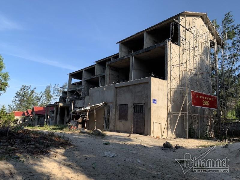 Vẻ hoang tàn khó tin ở 'thiên đường nghỉ dưỡng' của Bình Thuận