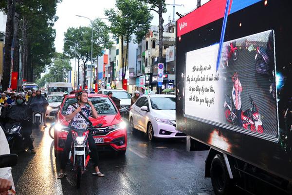 Xe ô tô biết…tâm sự thu hút người dân Sài thành