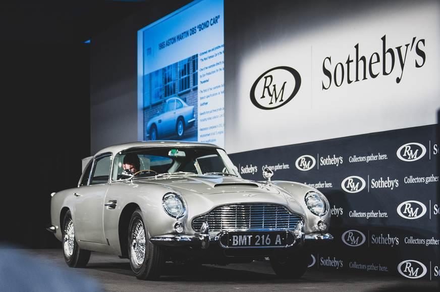 Xe cổ của điệp viên 007 bán giá 148 tỷ