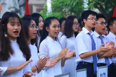 Hà Nội khuyến khích khai giảng không xả rác