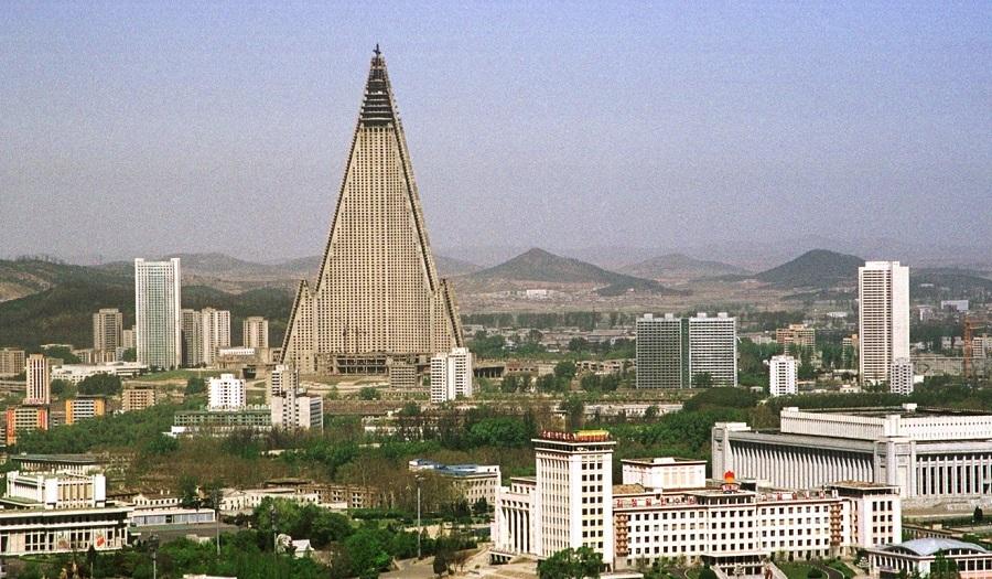 Lạ lùng khách sạn cao nhất Triều Tiên 30 năm hoang lạnh không người