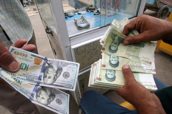 'Bóp nghẹt' kinh tế, Mỹ vẫn đổ lỗi Iran làm dân khổ