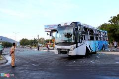 Tai nạn xe khách ở Khánh Hòa, 2 ô tô lao với tốc độ cao khi đến ngã tư