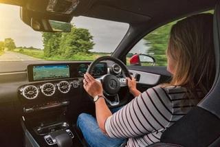 Mercedes-Benz gắn cảm biến bí mật theo dõi khách hàng