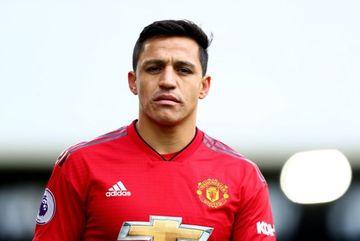 MU đòi thêm tiền Sanchez, PSG ký Dybala thay Neymar