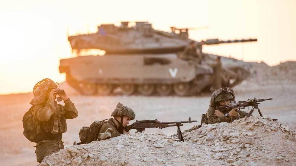 Video lính Israel nã đạn vào máy bay dân sự