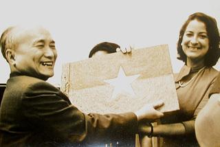 Mối tình đầu và luận án tiến sĩ khác thường của cố chánh án Phạm Văn Bạch