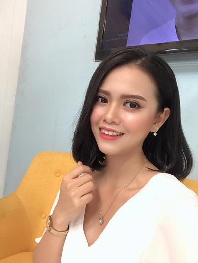 Nữ y tá Việt đẹp như sao Hàn nhờ kiên trì làm điều này