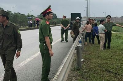 Thực nghiệm vụ xe container đâm xe Innova đi lùi trên cao tốc Thái Nguyên