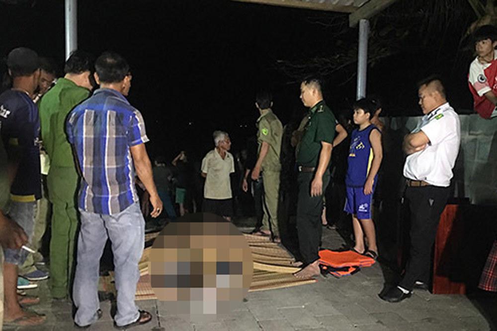Tắm biển Mũi Né 4 thanh niên bị cuốn chìm, tìm thấy 3 thi thể