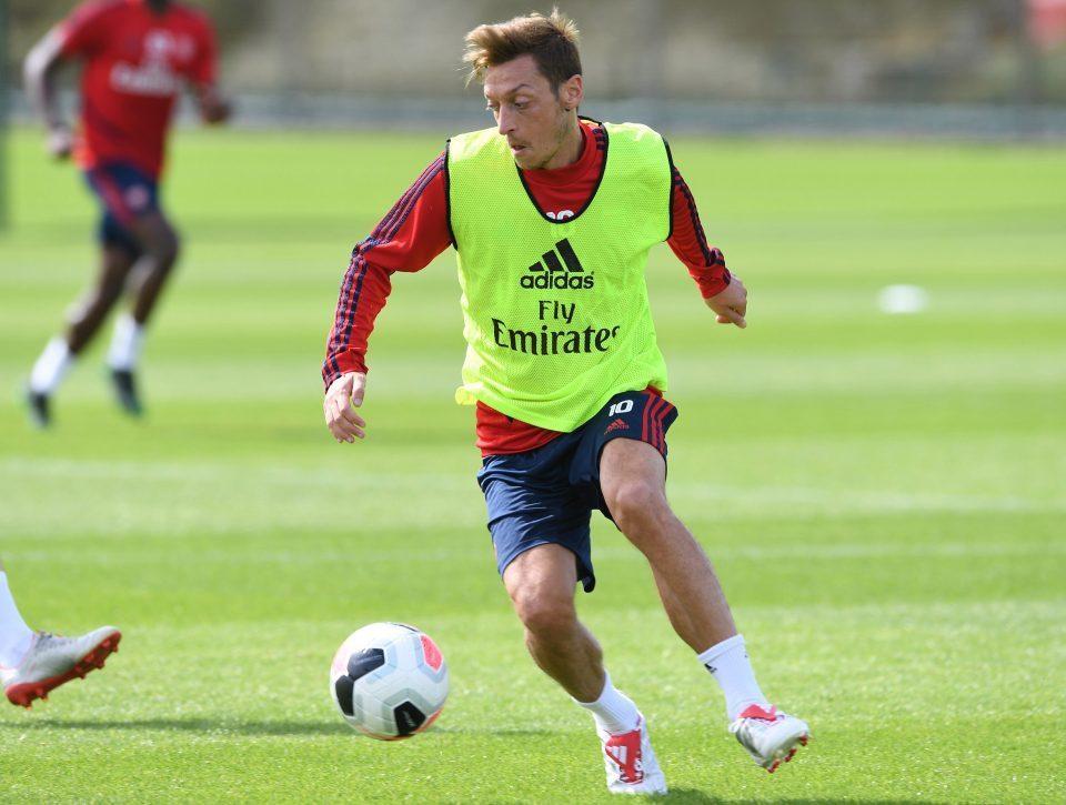 Mesut Ozil,Arsenal,Liverpool