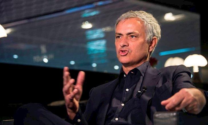 """MU bị chê cười, Mourinho chờ ngồi """"ghế nóng"""" PSG"""