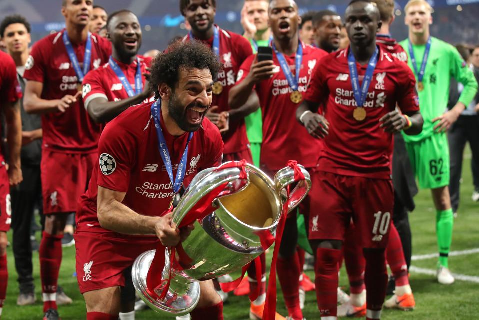 Liverpool nhận hợp đồng kỷ lục, MU hít khói