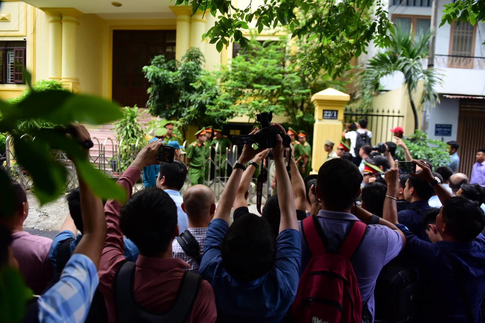 Nguyễn Hữu Linh,sàm sỡ bé gái,dâm ô,dâm ô trẻ em