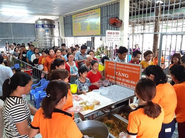 Binh Phuoc,poor patients,free meals,social news,vietnamnet bridge,english news,Vietnam news,vietnamnet news,Vietnam latest news,Vietnam breaking news,Vietnamese newspaper,news vietnam