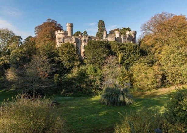 Đáng giá trăm tỷ nhưng lâu đài này chứa quá khứ đen tối