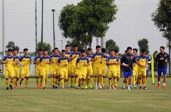 U22 Vietnam prepare to face U22 China