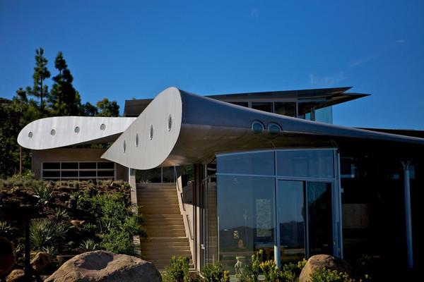 Ngôi nhà làm từ cánh máy bay Boeing 747
