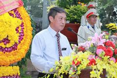 Bộ TT&TT dâng hương tại Nghĩa trang liệt sỹ ngành Giao bưu-Thông tin