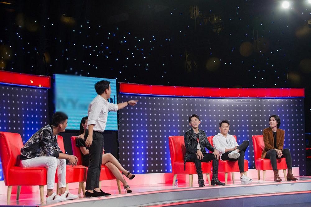 Trấn Thành mếu máo trách móc Trường Giang trên truyền hình