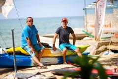 Người đàn ông Pháp có 20 năm gắn bó với ngành lướt sóng ở Mũi Né