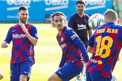 Barca bấn loạn vì Messi, chờ Griezmann cứu rỗi