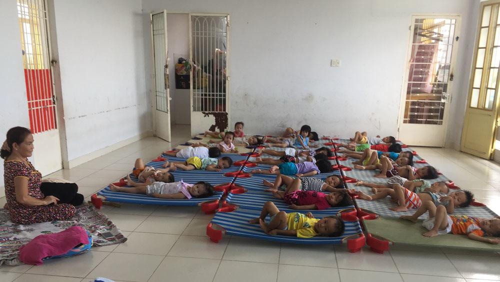Từ thiện,Trẻ bị bỏ rơi,Bảo trợ trẻ em
