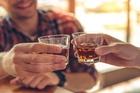 Những người mắc 4 bệnh này, thèm rượu đến mấy cũng không thể uống