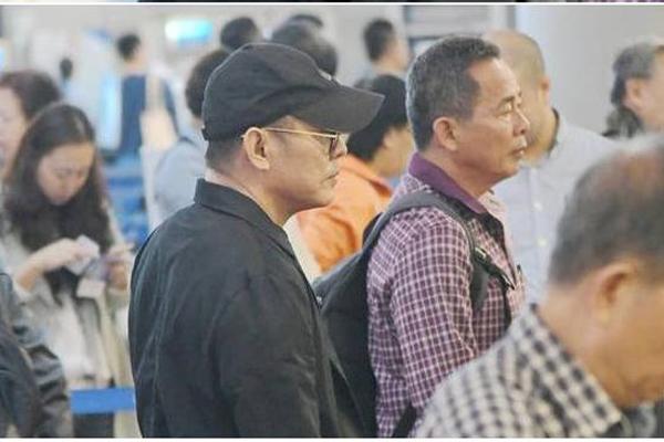Sao Hoa ngữ giàu 'nứt đố đổ vách' vẫn chịu thua bệnh tật, thương tích
