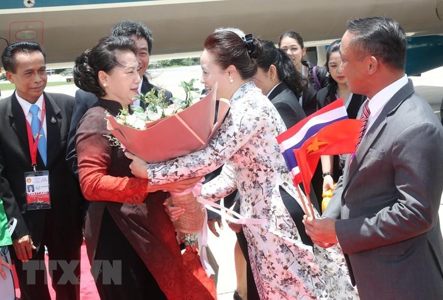 Chủ tịch QH đến Bangkok bắt đầu tham dự Đại hội đồng AIPA 40