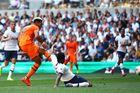 Tottenham 0-1 Newcastle: Chủ nhà tìm bàn gỡ (H2)