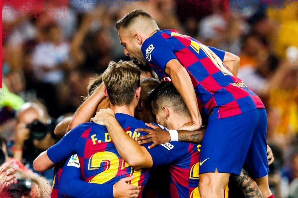 Griezmann rực sáng, Barca thắng '5 sao'