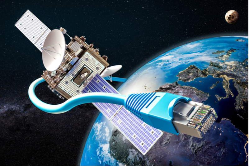 Internet vệ tinh,Amazon,Jeff Bezos,Elon Musk