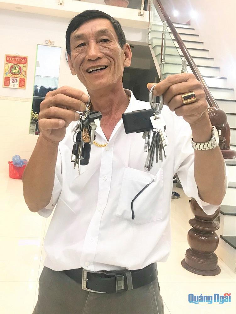 Nghề lạ Việt Nam: Trông nhà cho chủ ve chai, mỗi tháng lãnh ngàn đô