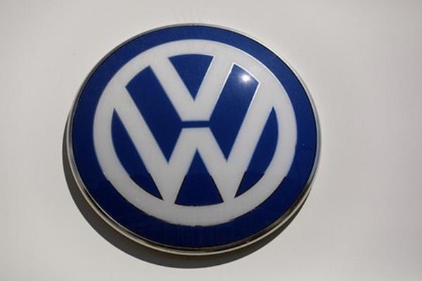 Volkswagen triệu hồi 679.000 xe tại Mỹ do lỗitự trôi