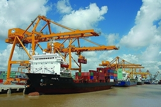 VN Association of Financial Investors proposes state divestments to build deepwater ports