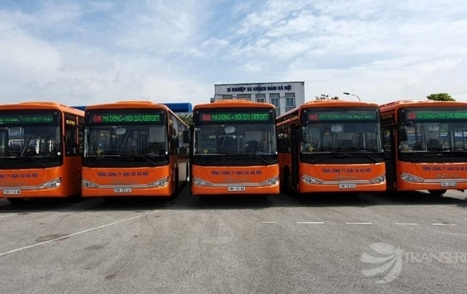 Thousands of Hanoi residents to use bus for free from September 1