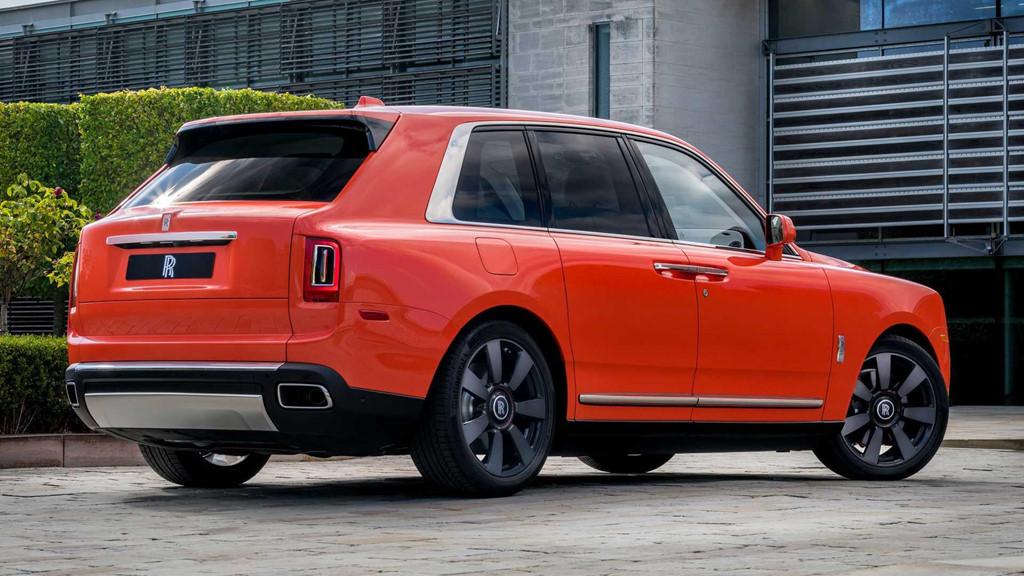 Đại gia sở hữu 10 siêu xe Rolls-Royce màu độc, đặt theo tên mình