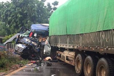 2 xe tải đâm nhau nát đầu ở Sơn La, 1 tài xế chết tại chỗ