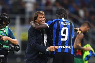 Lukaku ghi bàn cùng Inter thắng to, Conte hồ hởi nhắn MU