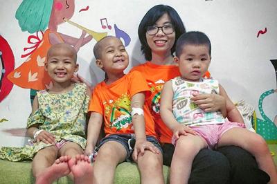 Chiến thắng ung thư máu, cô gái trẻ vẫn quyết 'không rời' khu điều trị hóa chất