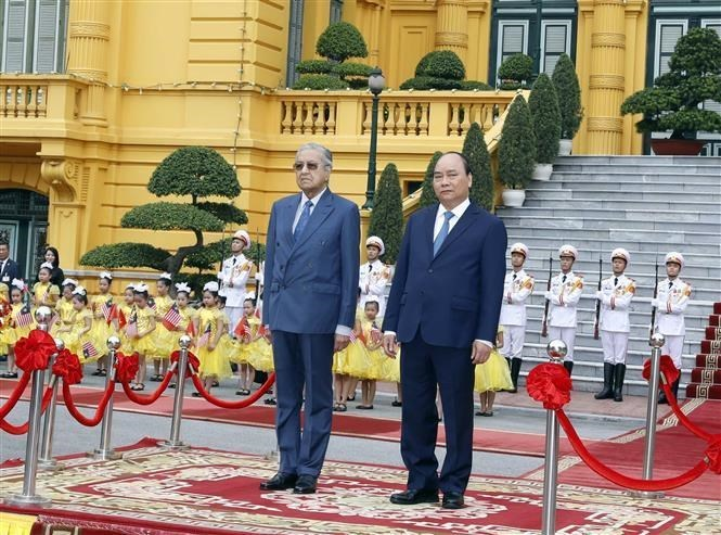 Malaysian Prime Minister Mahathir Mohamad,vietnam-malaysia relations,PM nguyen xuan phuc,Vietnam politics news,Vietnam breaking news,politic news