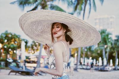 Ngỡ ngàng nhan sắc như tiên sa của tân Hoa hậu Hoàn vũ Lào