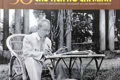 Photo book honours President Ho's testament
