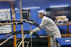 Công nghiệp hỗ trợ cho ô tô: Những cú bắt tay triệu đô