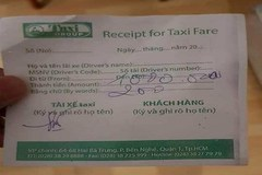 Indian passenger cheated by HCM City fake taxi driver