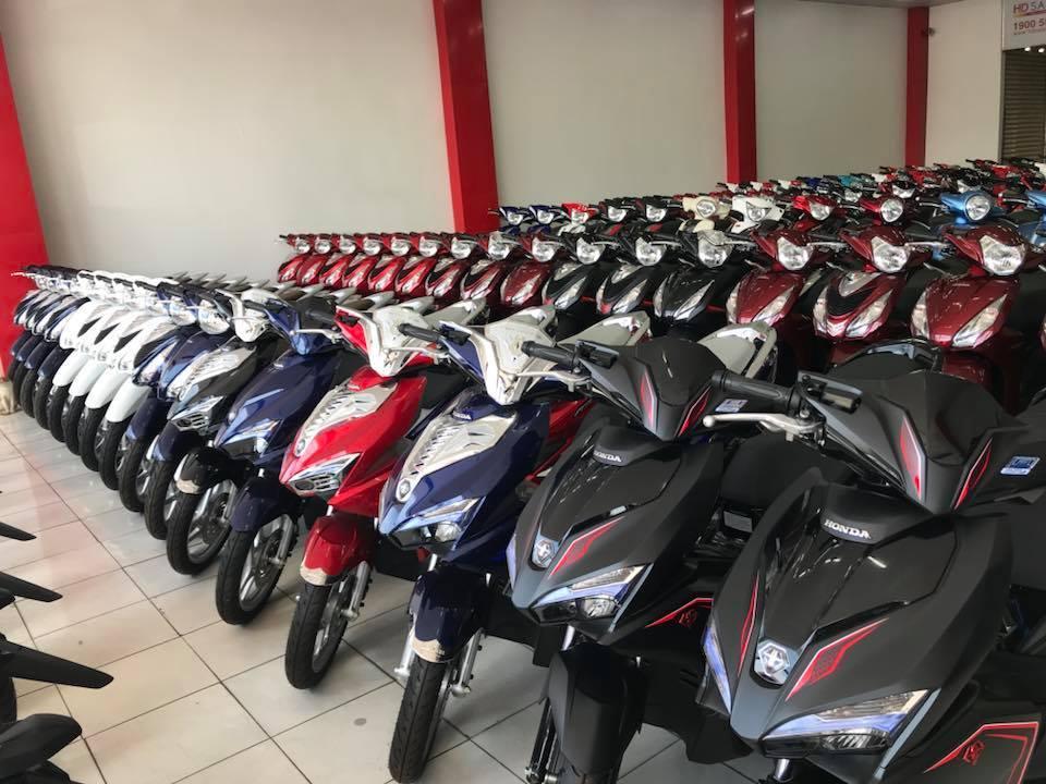 Cuối tháng cô hồn, giá xe máy vẫn lao dốc giảm kịch sàn