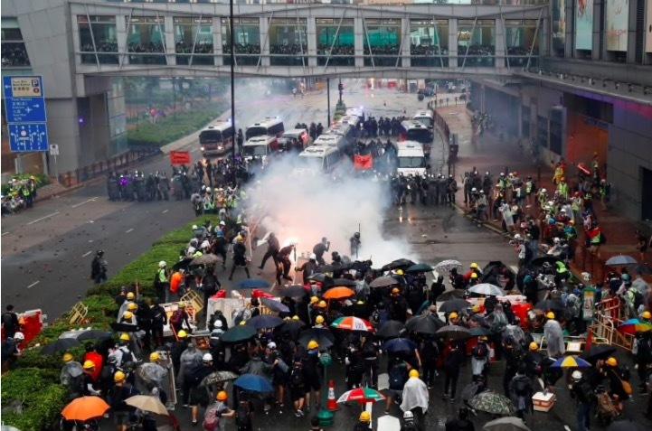 Bạo lực ở Hong Kong ngày càng trầm trọng hơn