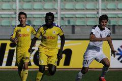 Văn Quyết lập cú đúp, Hà Nội làm nên lịch sử ở AFC Cup